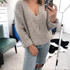 HM grey oversized chunky v neck knit sweater